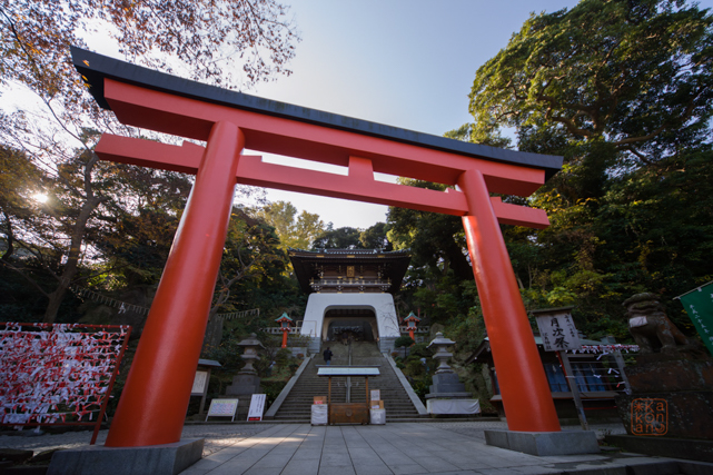 http://enoshimajinja.sakura.ne.jp/wp/wp-content/themes/enoshimajinja/gallery_img/large/01.jpg