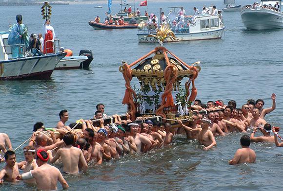 江ノ島神社八坂お祭り